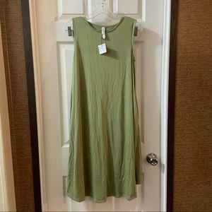 Zenana Outfitters Green Midi Pocket Tank Dress S